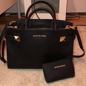 Michael kors purse and wallet bundle